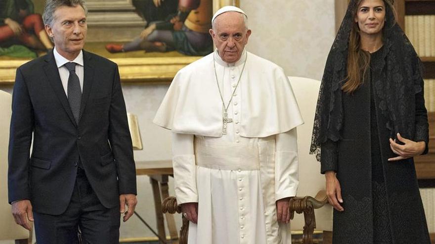 Macri envía una misiva de felicitación a Francisco por sus cinco años de papado