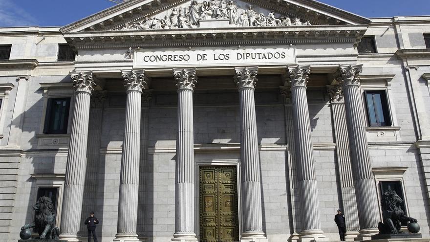 Los miembros del Gobierno no acuden a votar al Congreso y se pierden las críticas de la oposición por huir del control