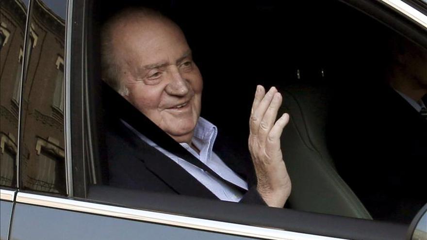 """El Rey a su llegada al hospital: """"Otra vez, otra vez..."""""""