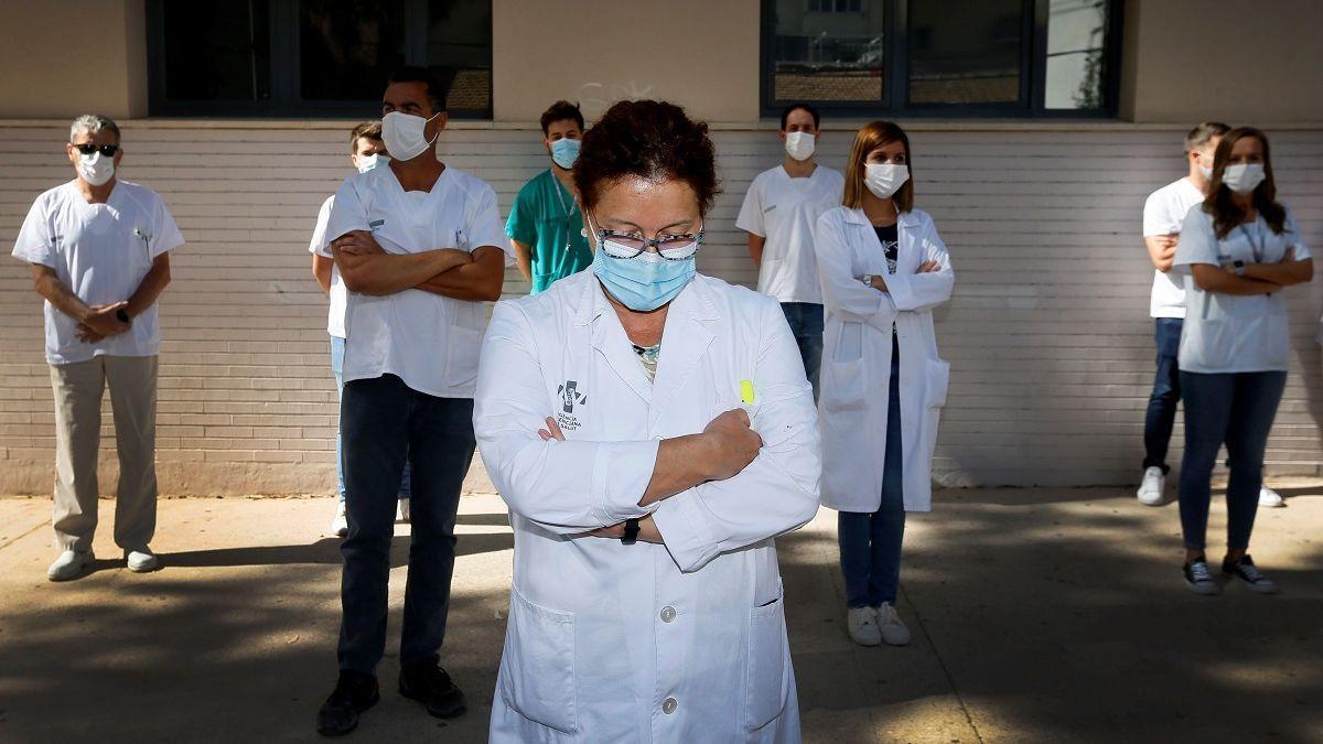 Sanitaris del Centre de Salut de San Blai, en Alacant.
