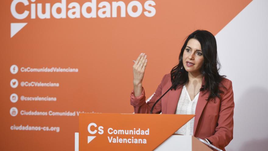 La líder de Cs, Inés Arrimadas, en rueda de prensa en València