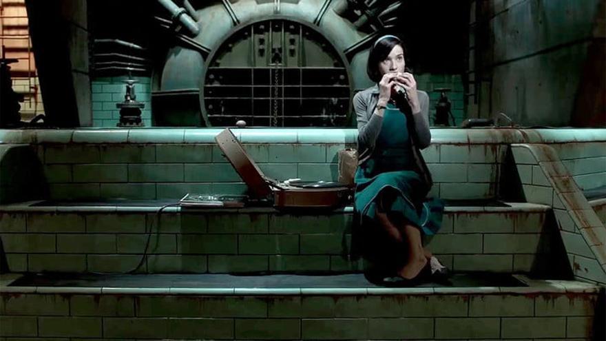 Fotograma del filme de Del Toro 'La forma del agua'