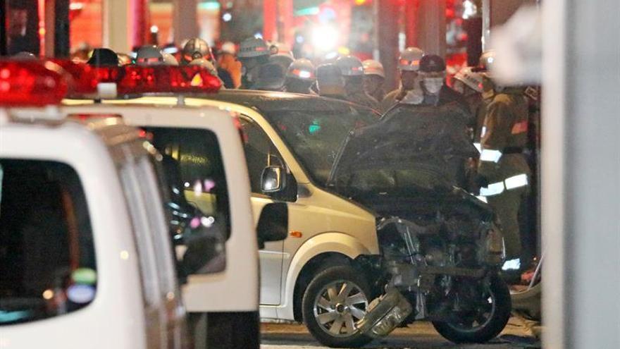 El vehículo que ha atropellado a al menos ocho personas este 1 de enero en Tokio.