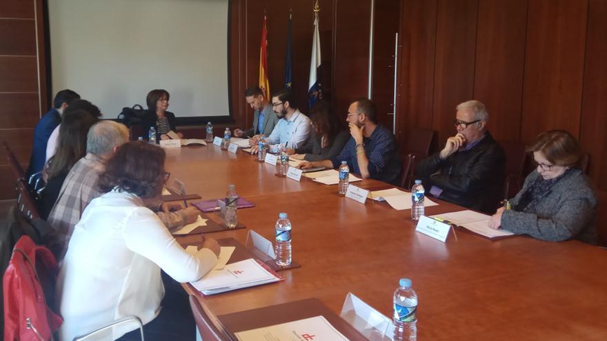 En la imagen,  un momento de la reunión.