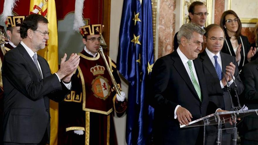 Posada pide cautela ante la reforma de la Constitución, cuya esencia ve vigente