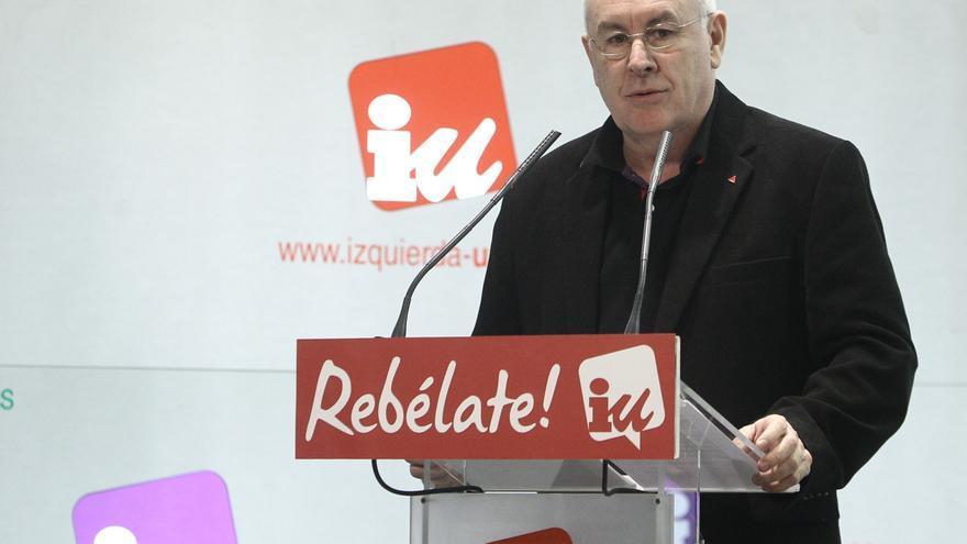 """Cayo Lara recalca que Cataluña no puede decidir su futuro """"unilateralmente"""" porque forma parte del Estado"""