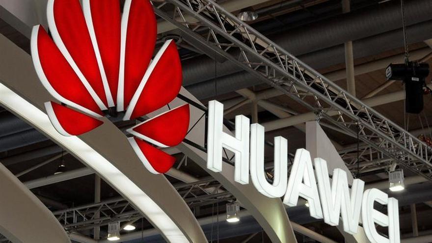 Japón excluirá a Huawei y a ZTE de licitaciones públicas, según medios locales