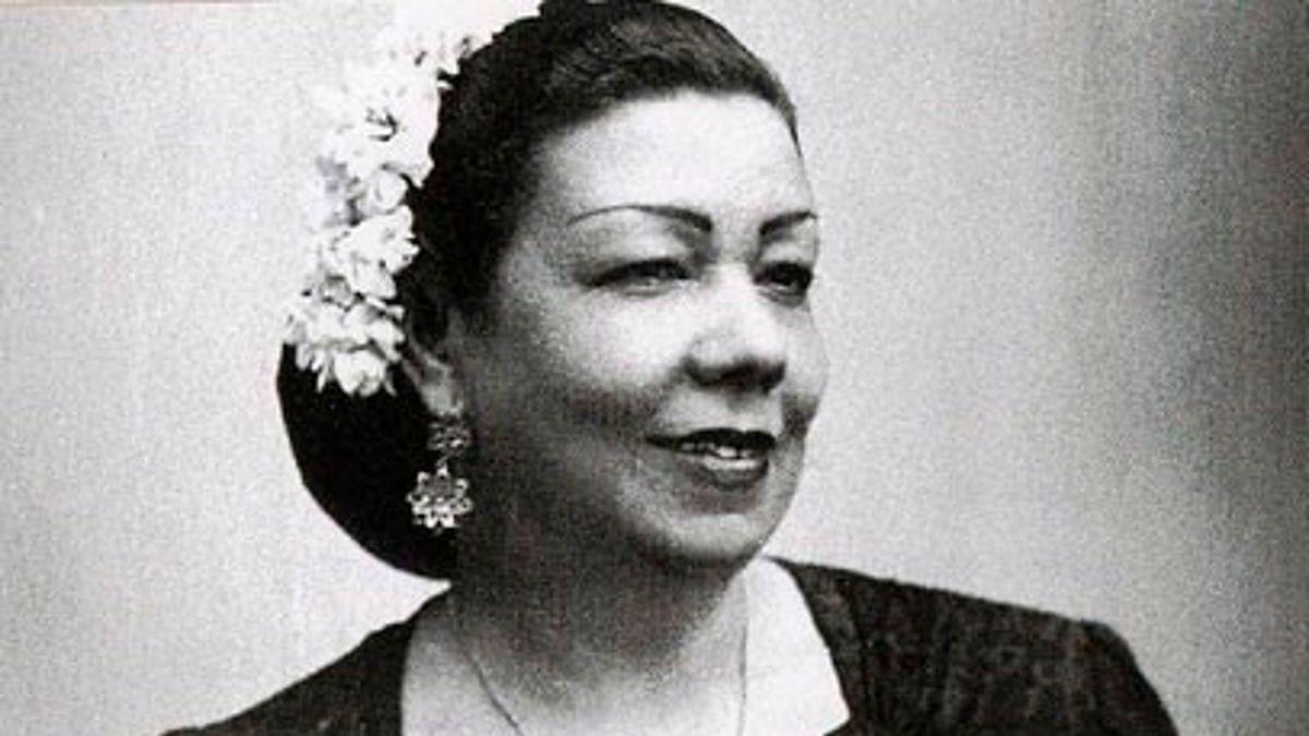 Pastora María Pavón Cruz, 'La Niña de los Peines', para la piden la 'Llave de Oro del Cante'.