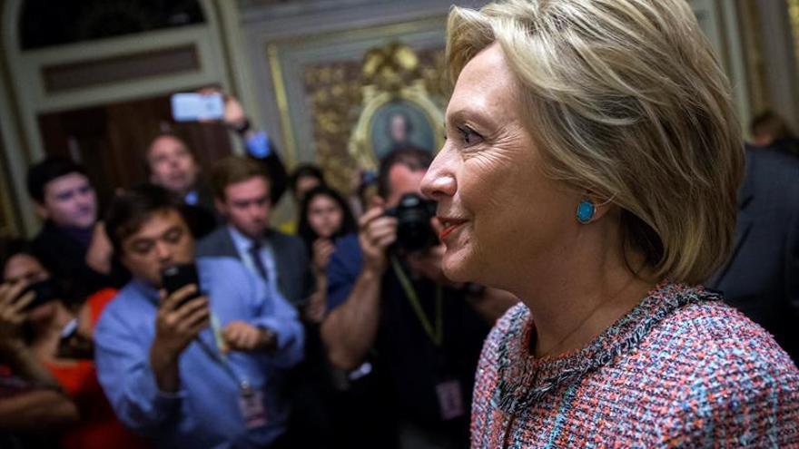 Clinton promete una reforma migratoria en sus primeros 100 días de Presidencia