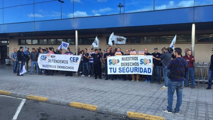 Protesta de la Policía Nacional en el Aeropuerto de Gran Canaria
