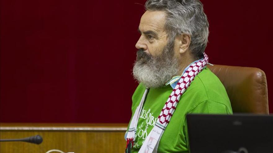 Gordillo renuncia al acta de diputado andaluz para seguir como alcalde