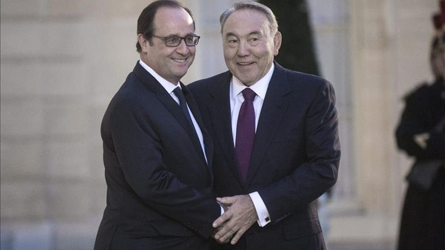 Hollande y Nazarbáyev seguirán su mediación entre Ucrania y Rusia
