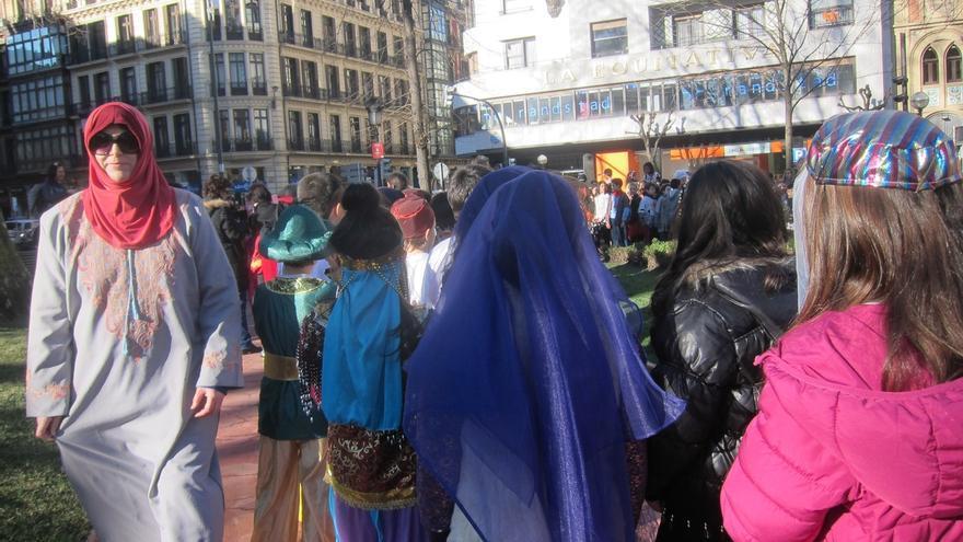 Unos 1.300 niños participan en el desfile de Carnaval de las escuelas e ikastolas de Bilbao
