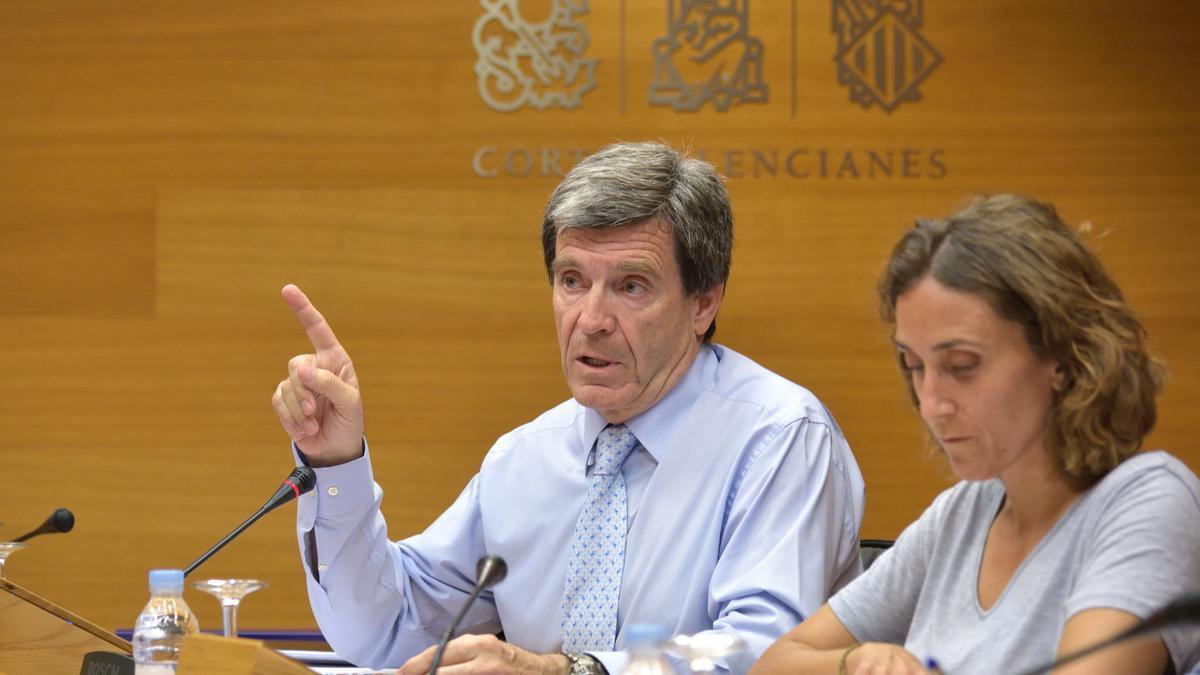 El presidente de la Autoridad Portuaria, Aurelio Martínez