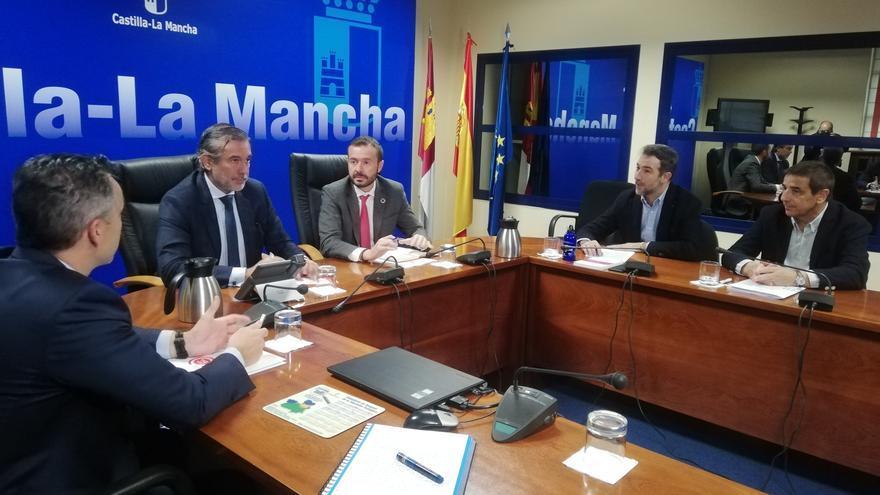 Reunión entre José Luis Escudero y Enrique López