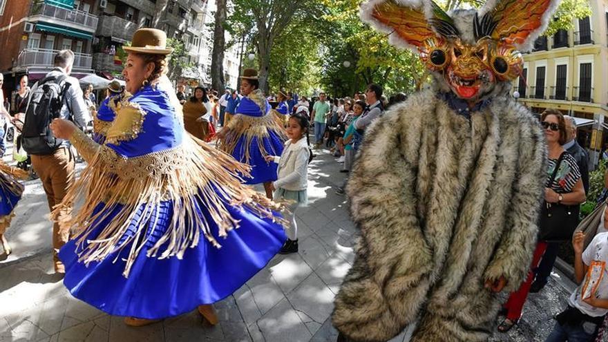 Granada conmemora el descubrimiento de América entre la tradición y el mestizaje