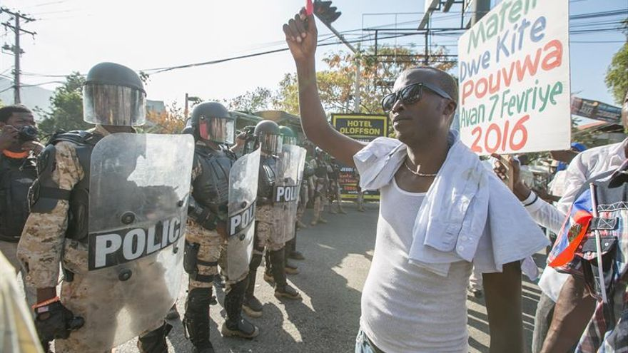 Haití cierra su frontera previo a las elecciones generales de mañana