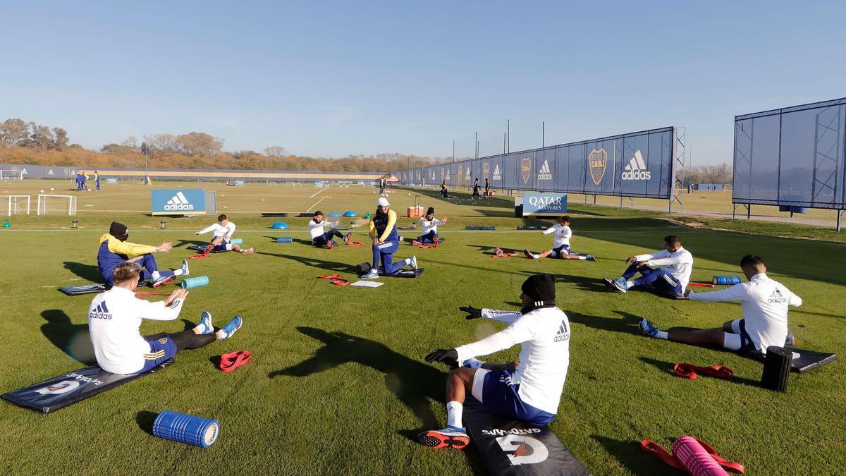 El plantel de Boca se entrenó en el predio de Ezeiza con vistas al partido ante Barcelona de Ecuador por la Copa Libertadores