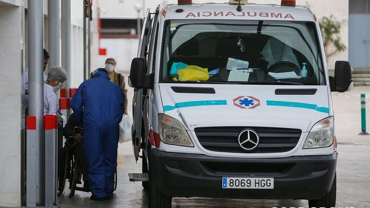 Una ambulancia en Reina Sofía