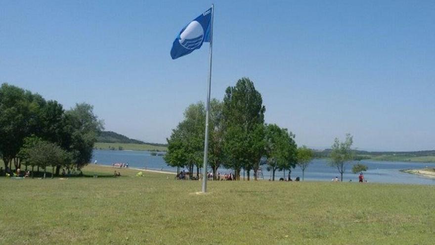 Las playas alavesas de Garaio y Landa renuevan por sexto año consecutivo su Bandera Azul