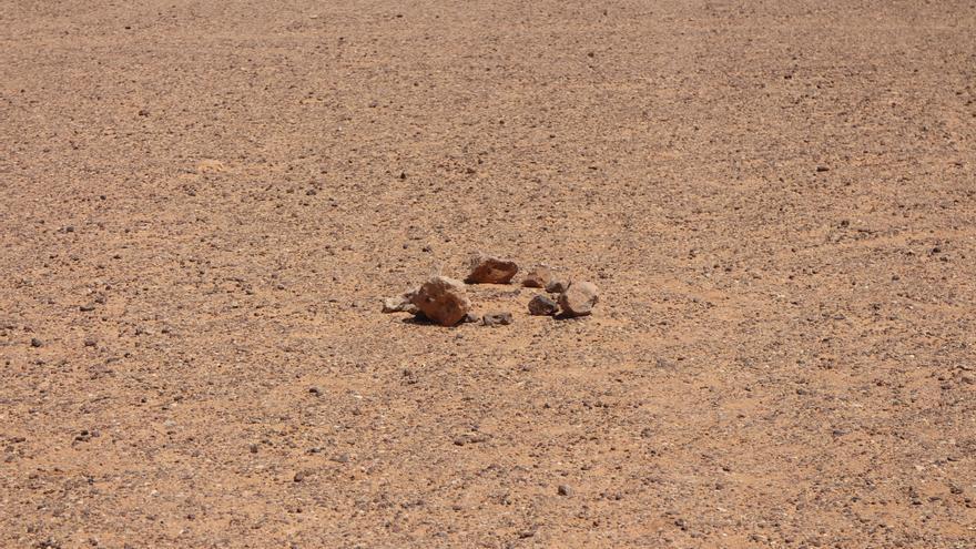 Una mina antipersona señalizada en los territorios liberados del Sáhara Occidental próximos al muro de Marruecos/ gabriela Sánchez