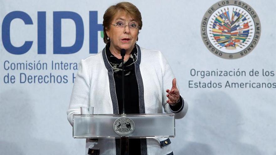 Represores deben dar información sobre los desaparecidos, según Bachelet