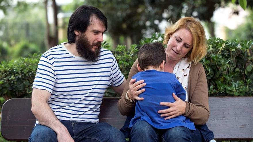 Guillem y Celia, únicos afectados en España de MEF2C, luchan por una terapia