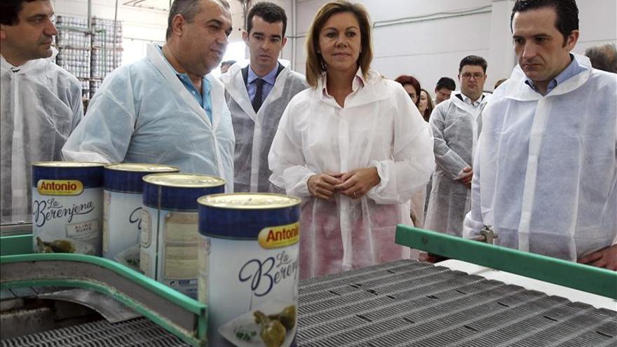 Cospedal afirma que el PP es el partido que garantiza la pluralidad de España