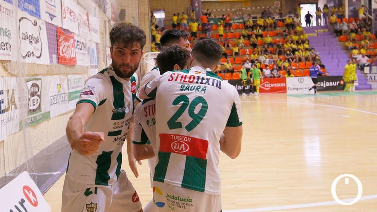 Zequi celebra un gol en Jaén
