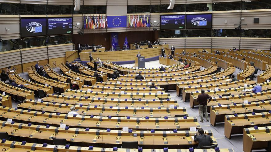 Bruselas detecta tanto avances como graves problemas en Estado de Derecho UE