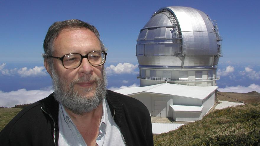 Imagen de archivo de Pedro Álvarez, director de Grantecan; al fondo,  la cúpula del GTC.