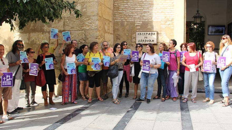 Acto de apostasía colectiva en el Obispado de Córdoba.