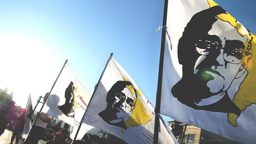 La comunidad católica salvadoreña afirma que reabrir el caso Romero da pie a acabar con la impunidad