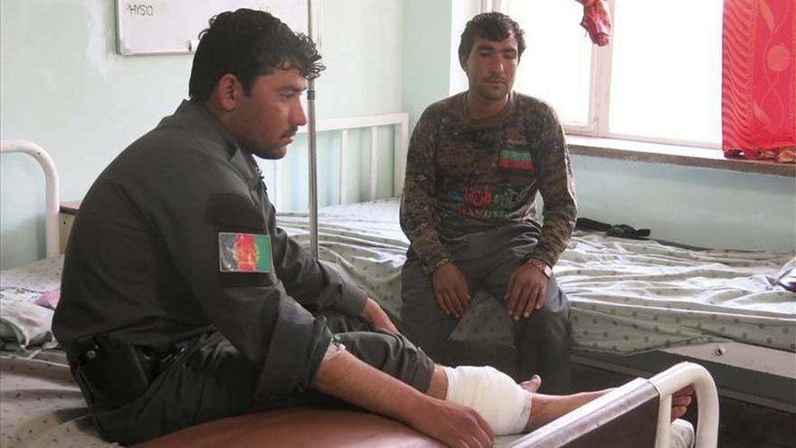 Mueren 18 miembros de las fuerzas de seguridad en una ofensiva en el sur de Afganistán