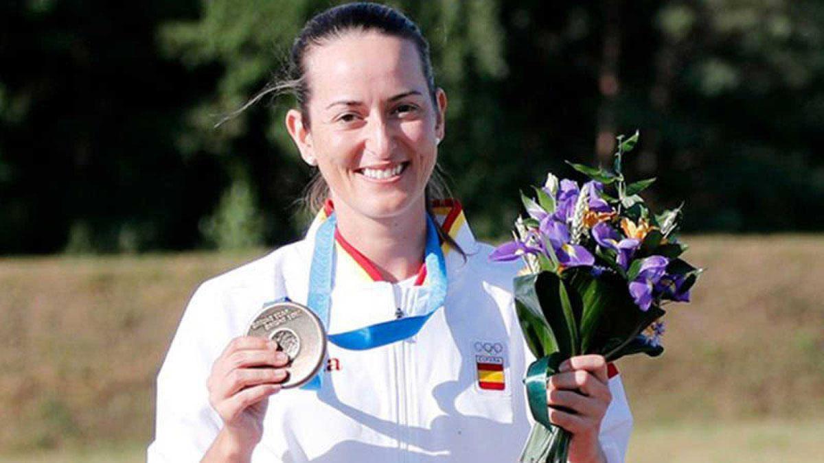 Fátima Gávez, con la medalla con que completó su pase a los Juegos.