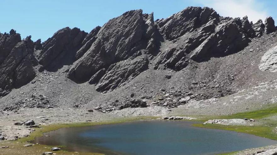 Laguna de Río Seco en Sierra Nevada.