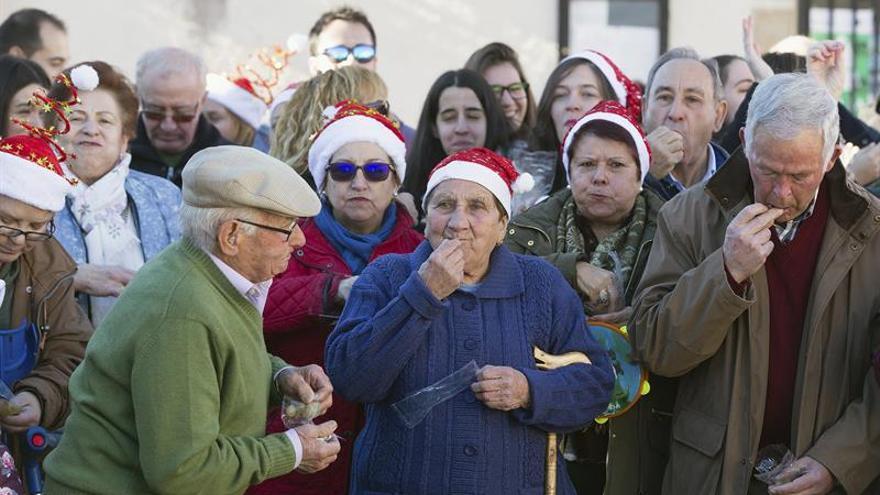 Campanadas a mediodía en un pueblo de Ávila por avanzada edad de los vecinos