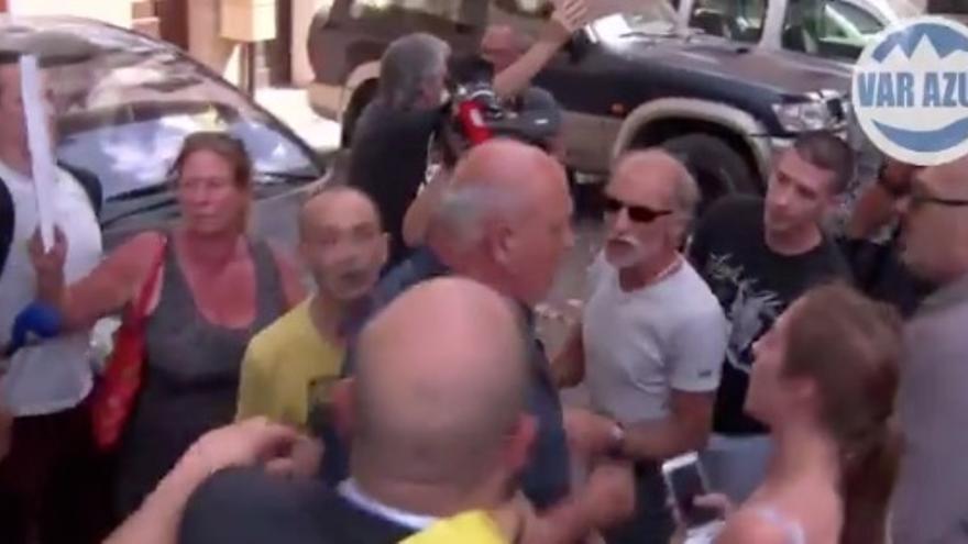 Vídeo de la visita de Le Pen a Châteaudouble