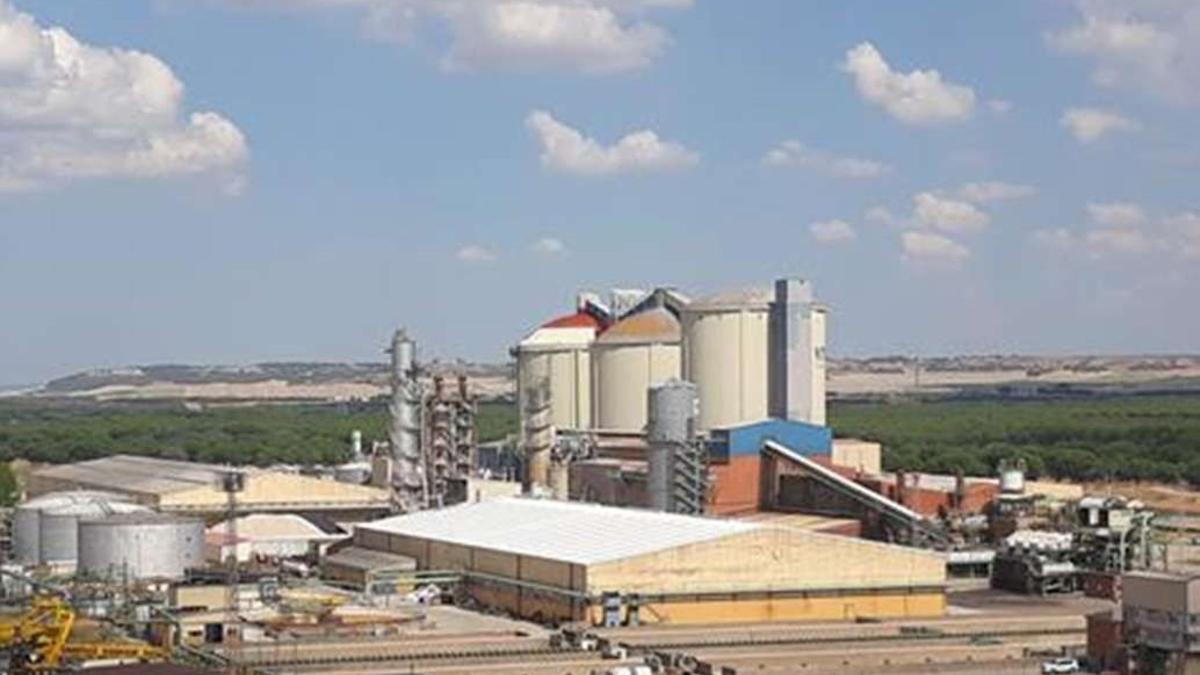 Vista de la fábrica de la azucarera Acor en Olmedo (Valladolid). EFE/Nacho Gallego/Archivo