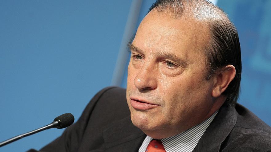 Pujalte defiende a Rato y recuerda que el Gobierno socialista y el Banco de España le obligaron a salir a Bolsa