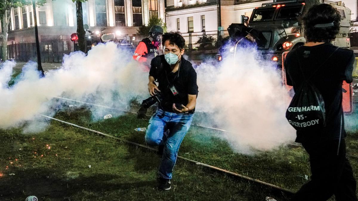 La ciudad estadounidense de Kenosha, en el estado de Wisconsin, vivió este martes su tercera jornada consecutiva de disturbios como consecuencia de las protestas ciudadanas.