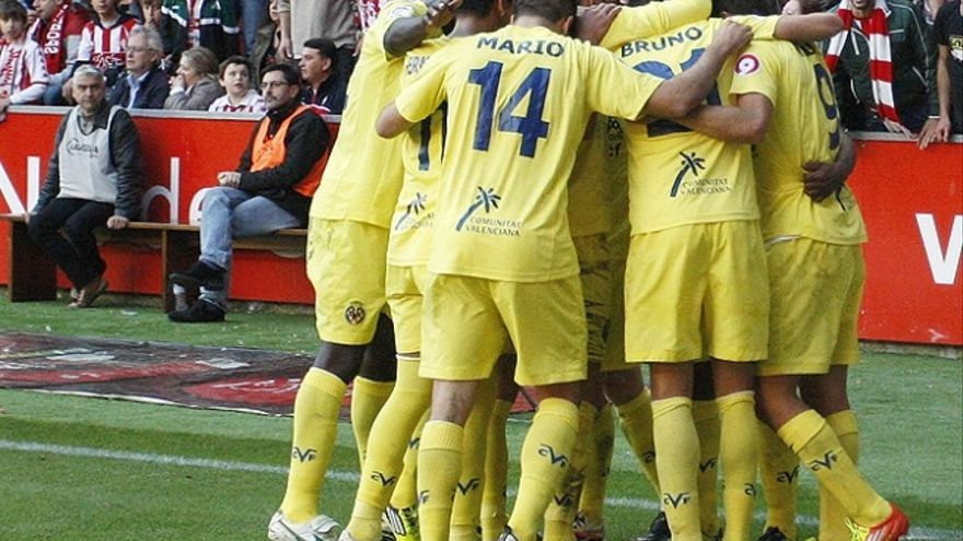 Los jugadores del Villarreal celebran uno de los tantos (villarrealcf.es).