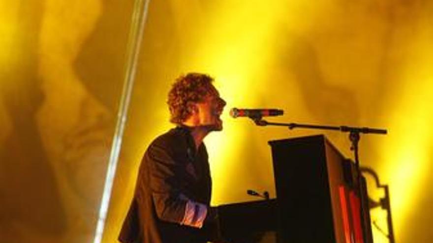 Chris Martin de la banda británica Coldplay