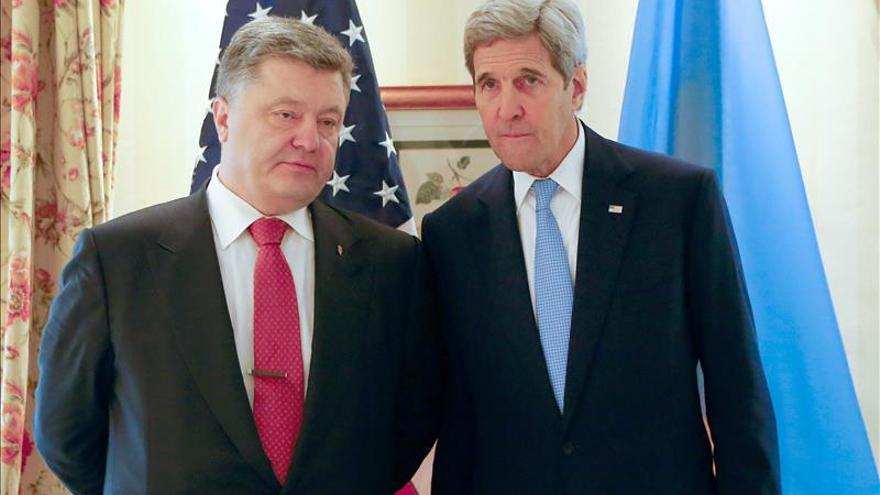 Poroshenko, en contra del diálogo con Rusia y de levantarle las sanciones