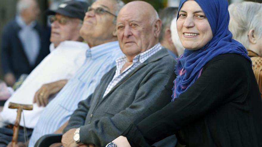 """Fátima Taleb: """"Orgullosa de ser la primera musulmana en el Ayuntamiento Badalona"""""""