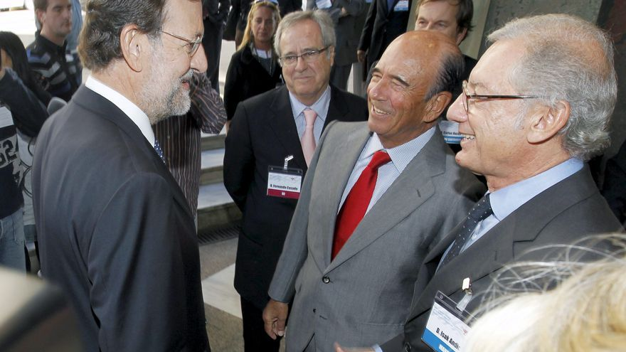 Botín saluda a Mariano Rajoy en el XIII Congreso de la Empresa Familiar en octubre de 2010 / EFE