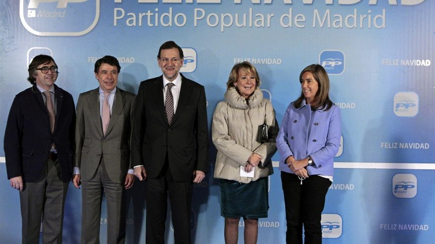 González, Rajoy, Aguirre y Mato en la cena de Navidad del PP de 2012. Foto: Alberto Martín/EFE.