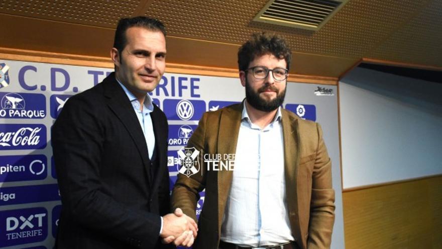 Rubén Baraja y Víctor Moreno durante la rueda de prensa de presentación del primero.
