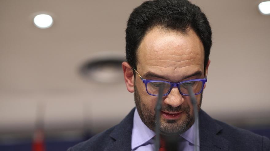 El PSOE no aclara si mantendrá mañana la propuesta de un diputado del PSC como presidente de comisión mixta