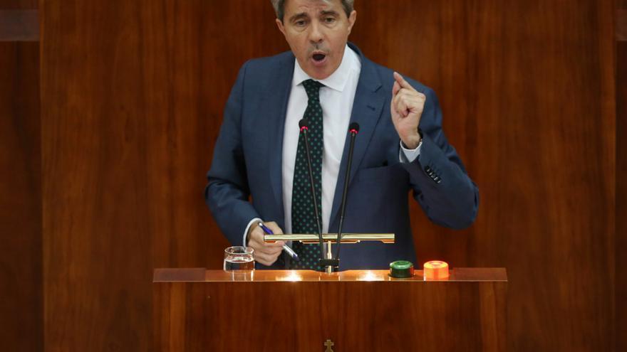 Ángel Garrido durante su turno de palabra en el debate de la moción de censura a Cifuentes